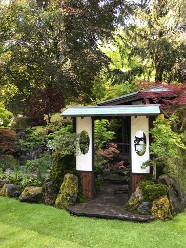 Japanese style in the O-mo-te-na-shi no NIWA garden